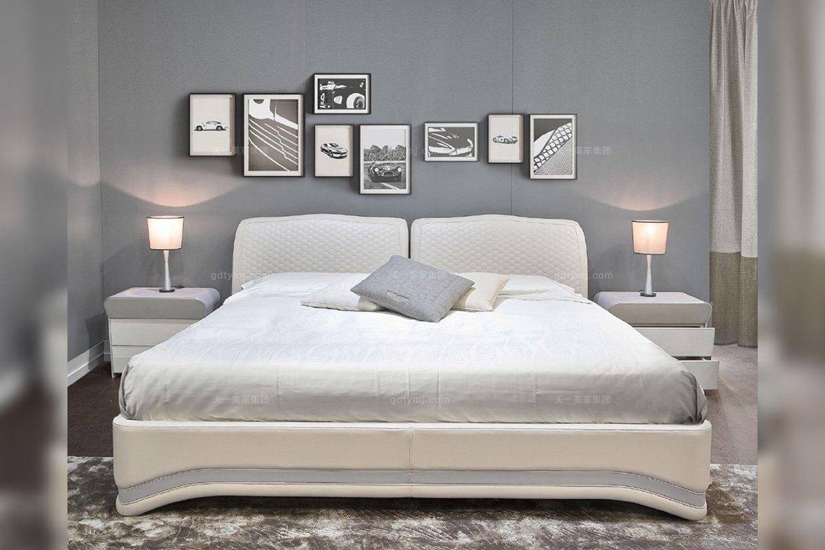 高端轻奢后现代蓝冠注册品牌别墅卧室时尚米色真皮双人大床