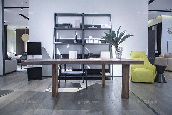 意大利现代极简风格蓝冠注册书房高端原木实木书桌椅组合